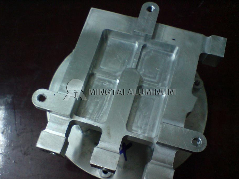 injection molds aluminum